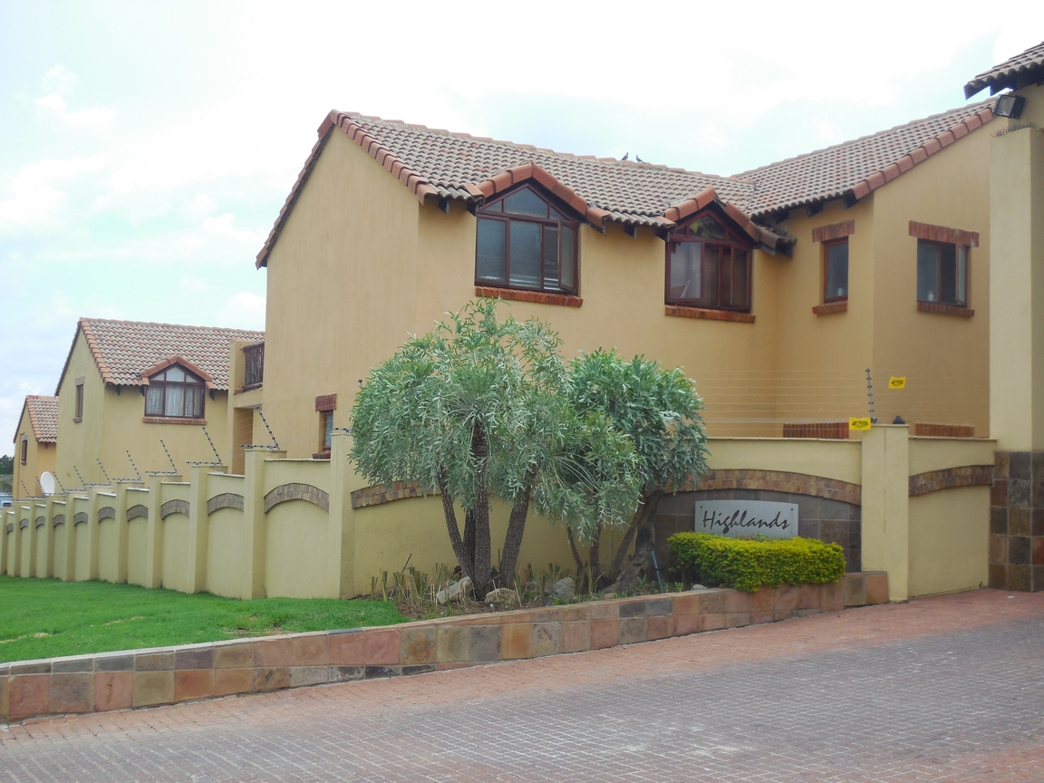 3 Bedroom Townhouse for sale in Erand Gardens ENT0084615 : photo#0
