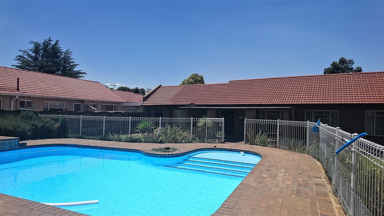 4 Bedroom House for sale in Brackendowns ENT0077760 : photo#18