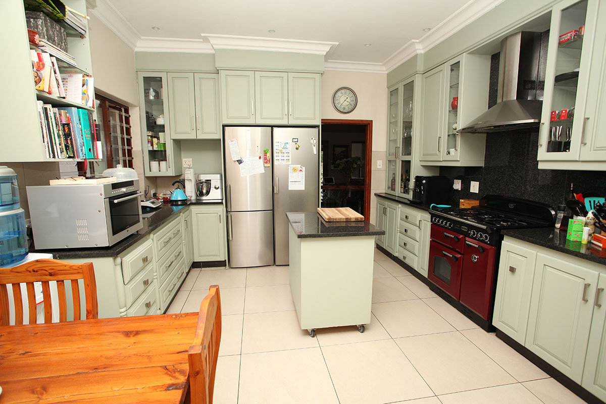 4 Bedroom House for sale in Waterkloof ENT0009460 : photo#14
