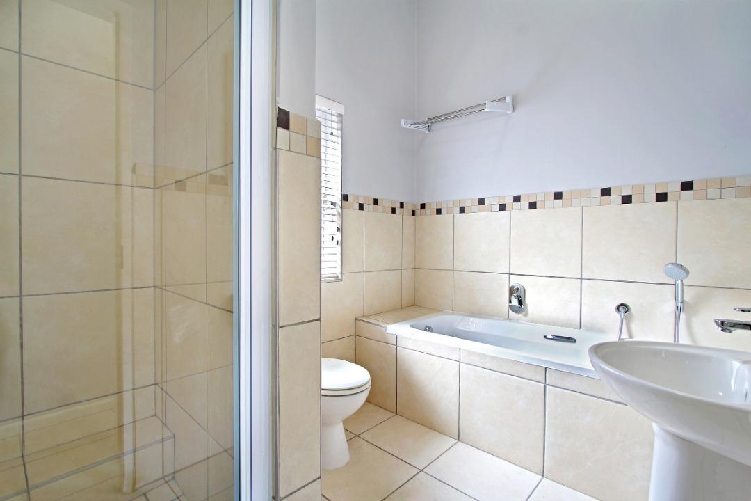 Family bathroom 1.jpeg