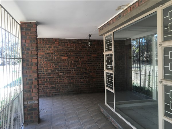 4 Bedroom Small Holding for sale in Magaliesburg ENT0049788 : photo#5
