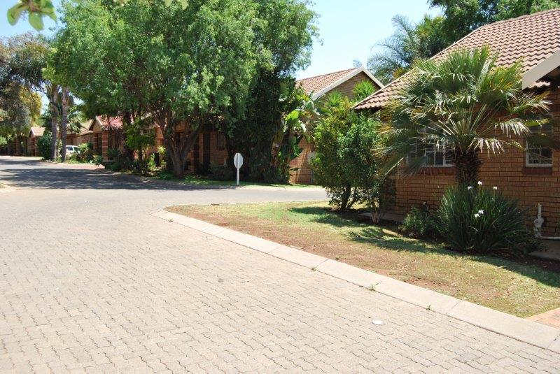 2 Bedroom Townhouse sold in Clubview ENT0067689 : photo#3