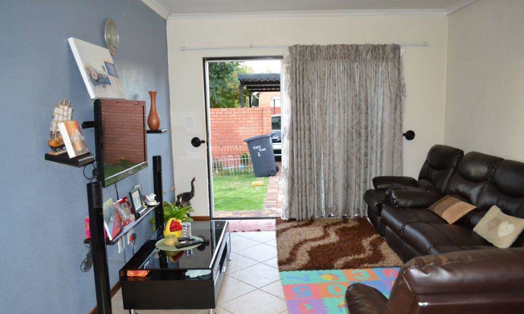 3 BedroomTownhouse To Rent In Kyalami Hills