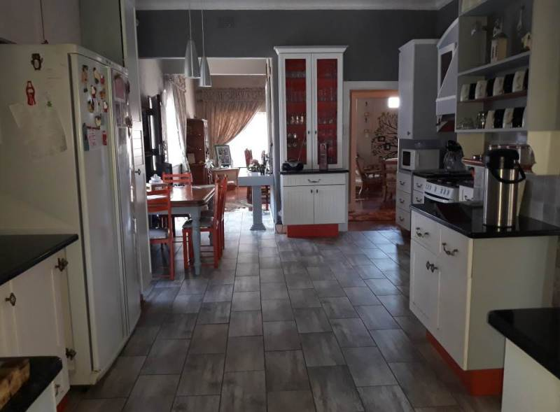 4 Bedroom House for sale in Florentia ENT0079846 : photo#18
