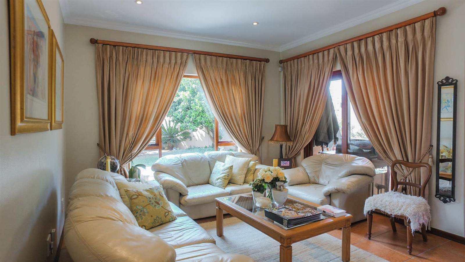 4 Bedroom Townhouse for sale in Mulbarton ENT0067436 : photo#2