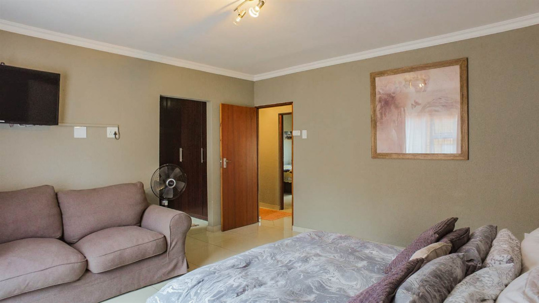 3 Bedroom Cluster for sale in New Redruth ENT0091737 : photo#7