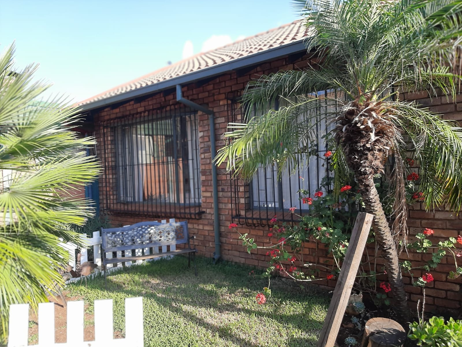 3 Bedroom Simplex in Rooihuiskraal North