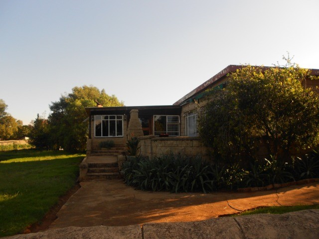 4 BedroomHouse For Sale In Walkerville