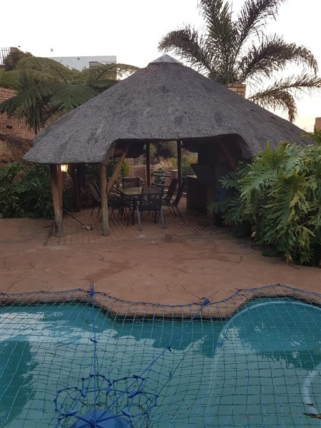 4 Bedroom House for sale in Kloofendal ENT0097142 : photo#2