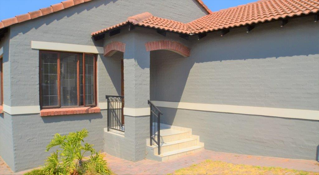 3 Bedroom Townhouse for sale in North Riding ENT0075414 : photo#2