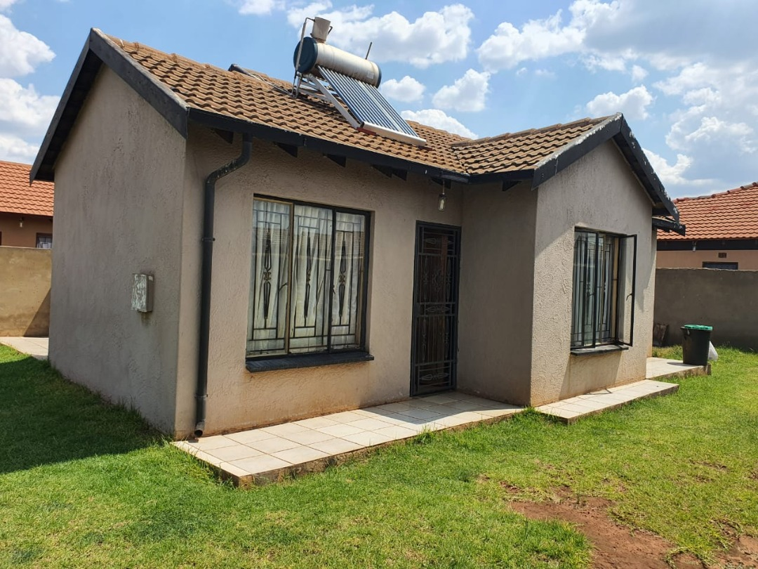 Lovely Home For Sale Vosloorus.