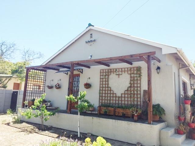 3 BedroomHouse Pending Sale In Oakdale