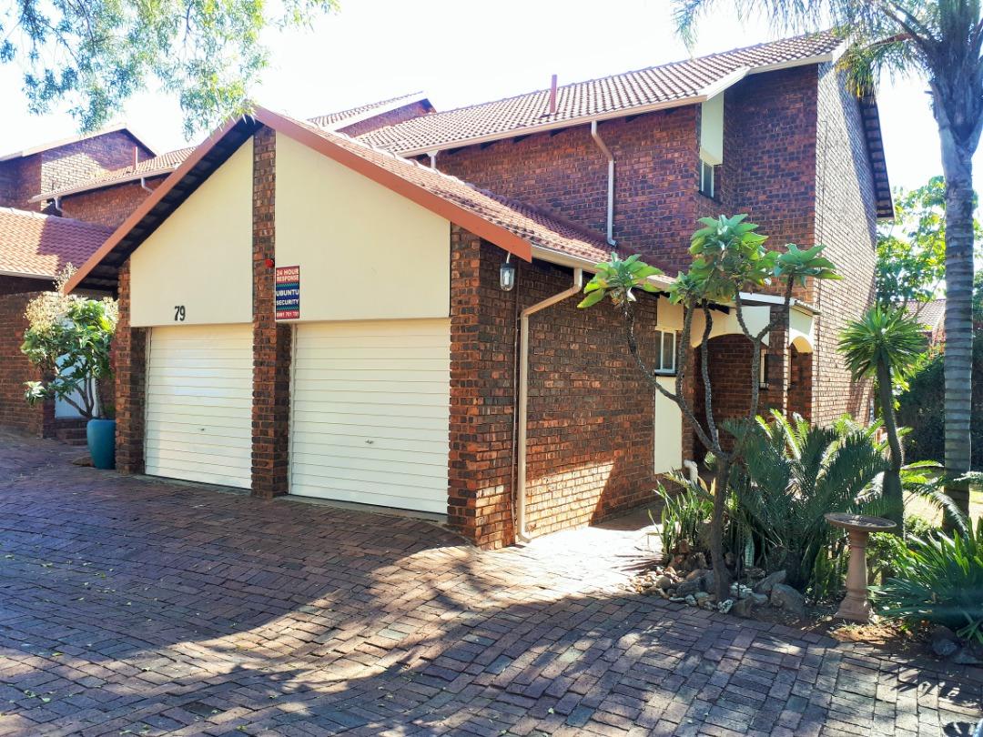 3 Bedroom Duplex in Faerie Glen For Sale