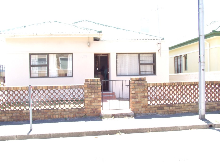 3 BedroomHouse For Sale In Strand North