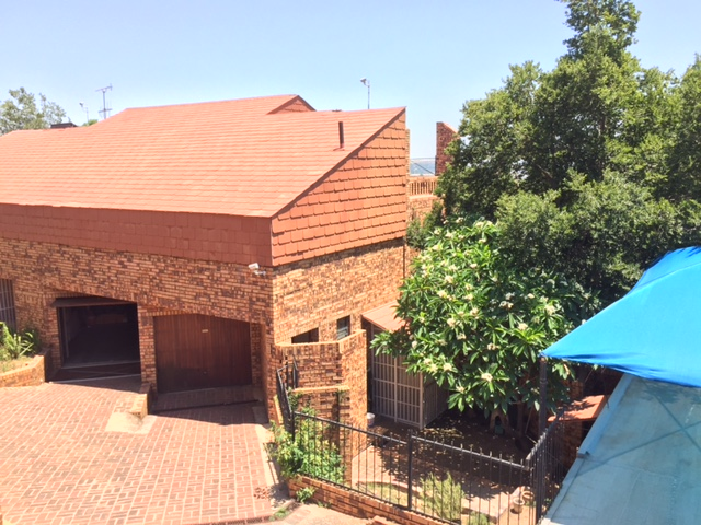 Price to sell - 5 Bedroom Family home in Silverton Ridge Pretoria East for sale