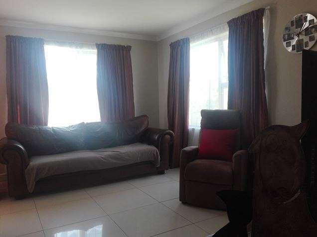3 Bedroom Home in Quiet complex - Gordon's Bay
