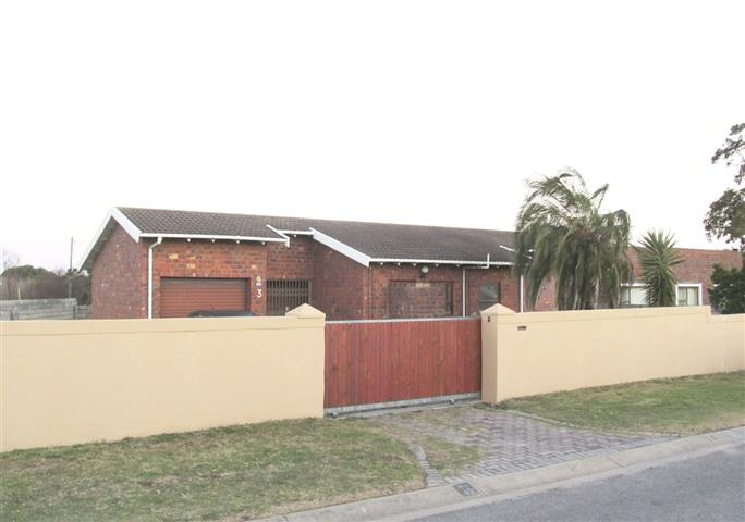 2 BedroomHouse For Sale In Overbaakens