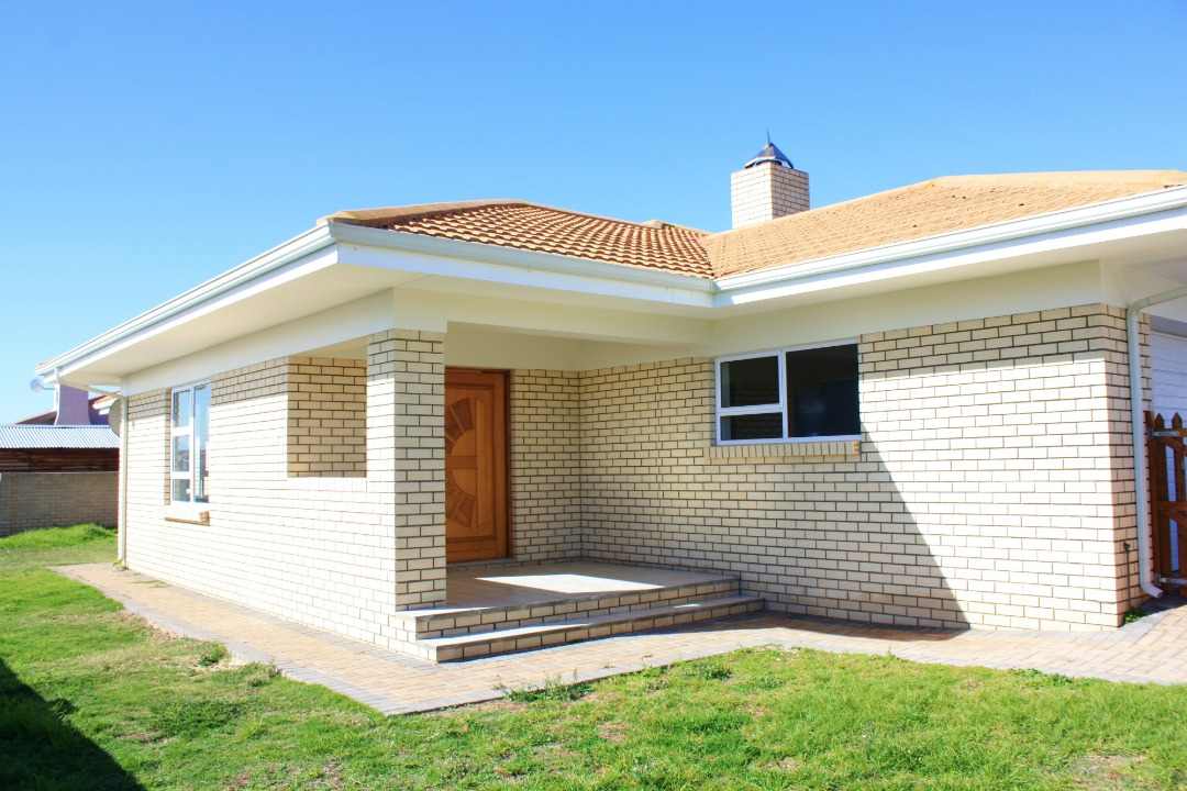 Well priced 3 Bedroom home in Reebok