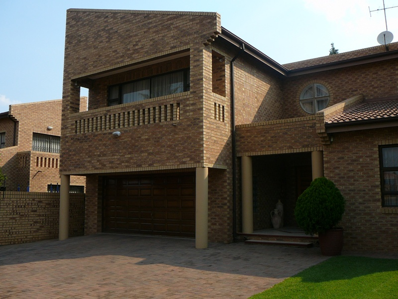 4 BedroomHouse To Rent In Meyersdal