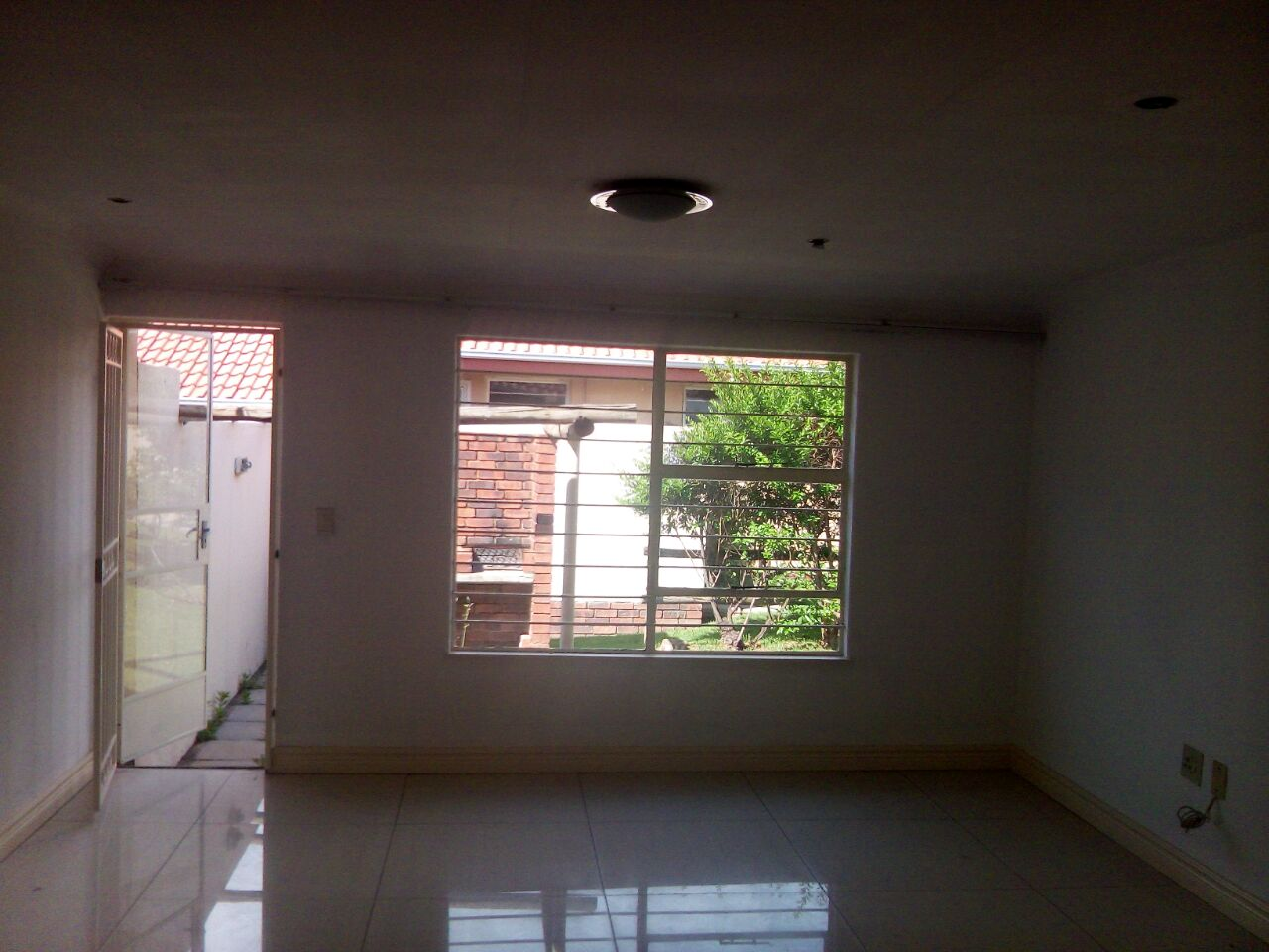 2 Bedroom Townhouse for sale in Sunninghill ENT0074719 : photo#3