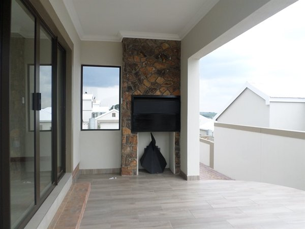 NEW BANKENVELD PROPERTY WITH TRANSFER DUTY INCLUDED BUILDING FINISHED BY END JUNE