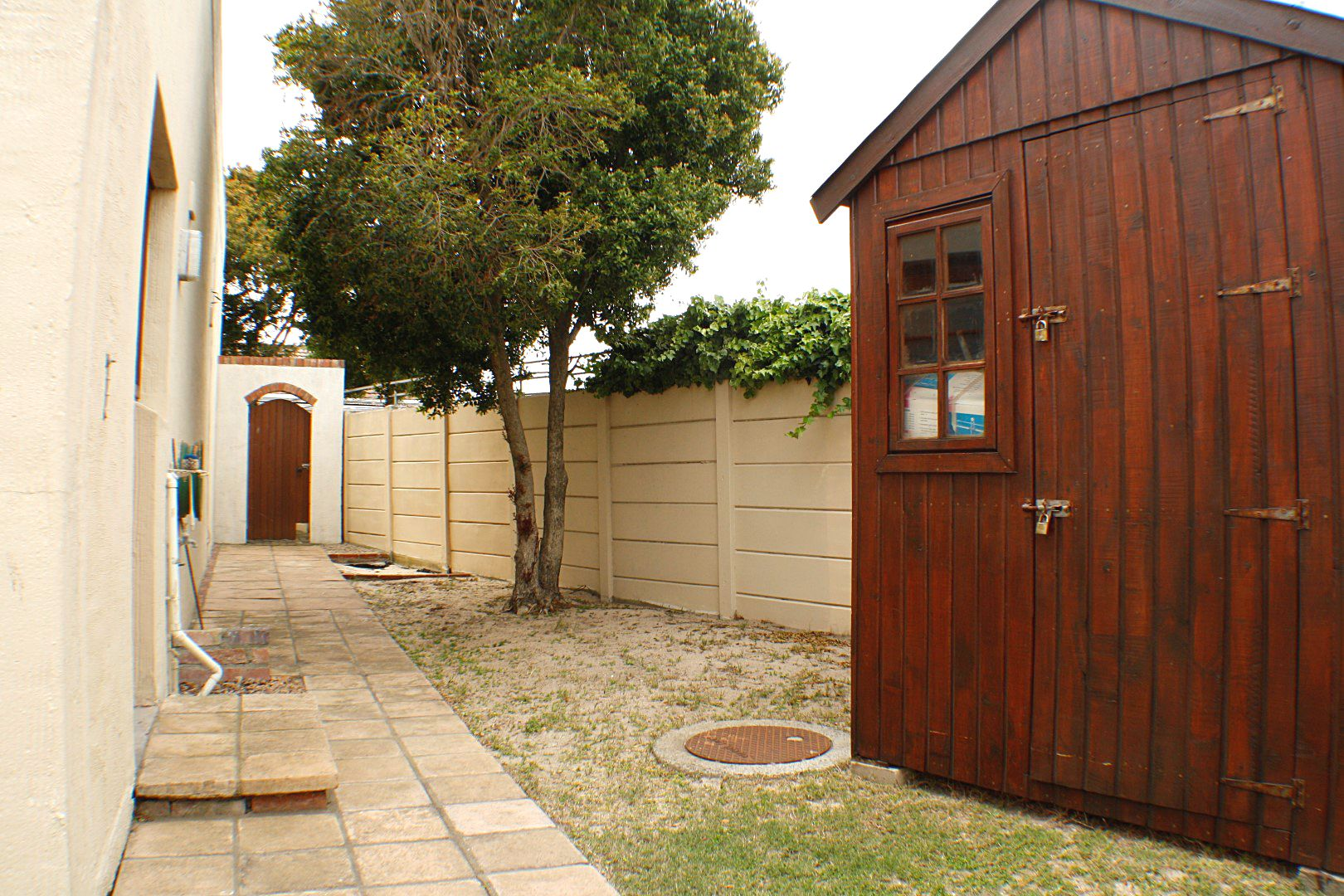 4 Bedroom House for sale in Edgemead ENT0067558 : photo#11