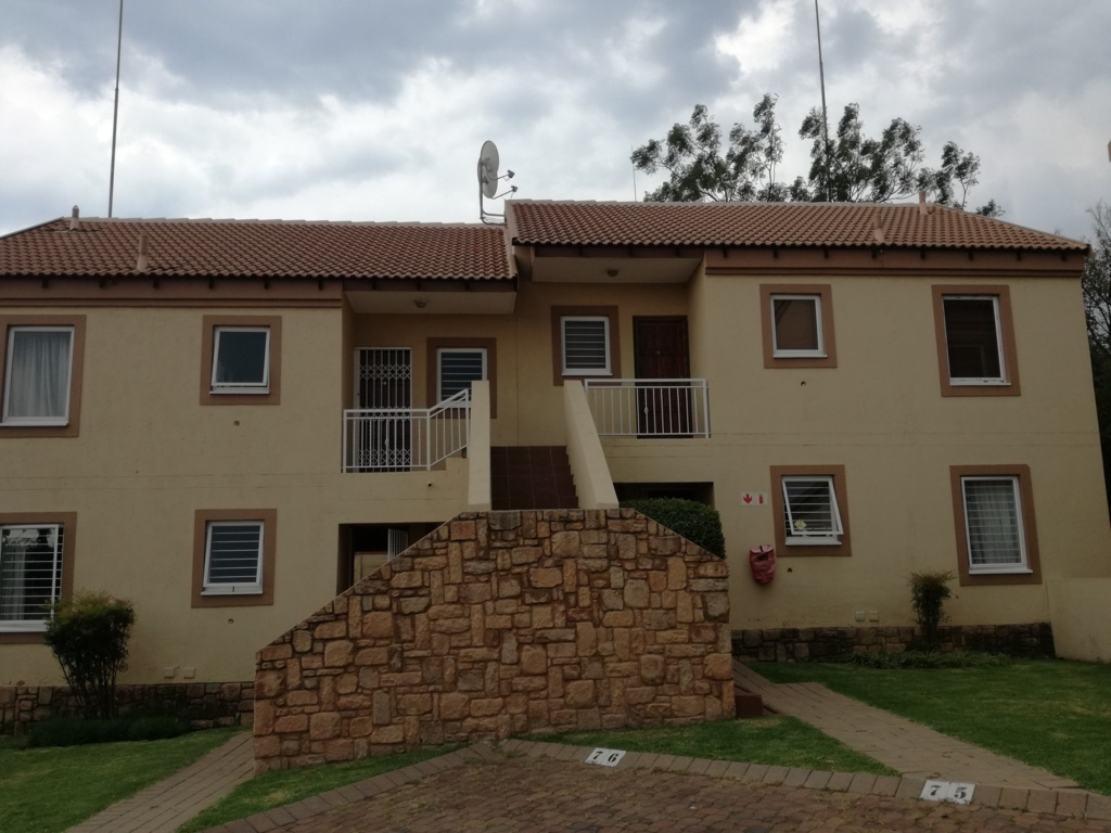 2 Bedroom Townhouse for sale in Sunninghill ENT0084557 : photo#2