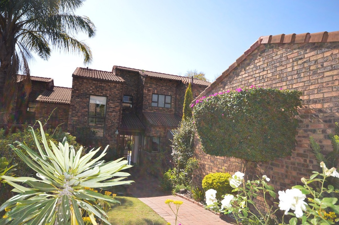 Secure 4 bedroom Townhouse