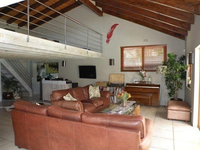 5 BedroomHouse For Sale In Constantia