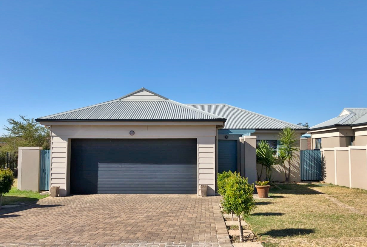 Sought after Private Estate!