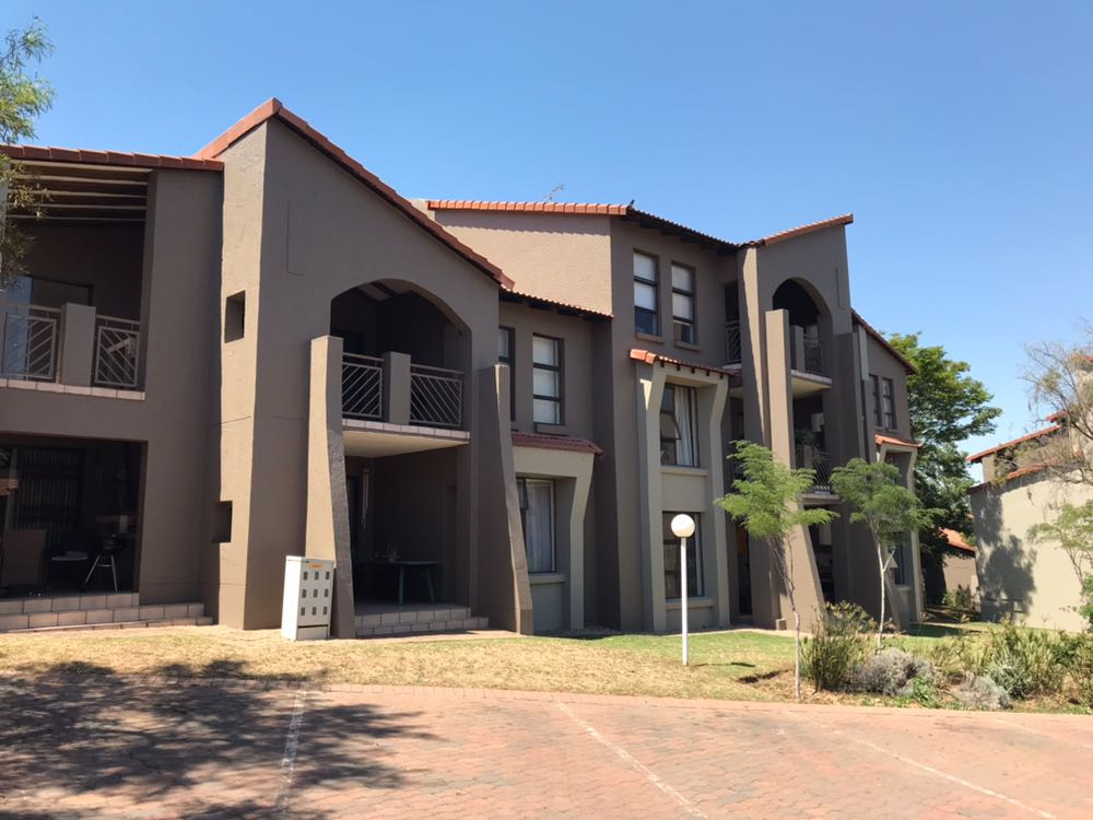 2 Bedroom 1 Bathroom Fourways: Waterford Estate Apartment for Sale