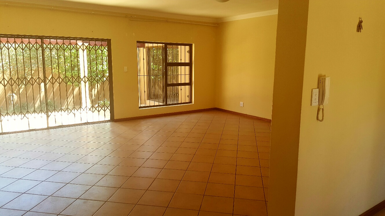 3 Bedroom Townhouse for sale in Monument ENT0009694 : photo#3