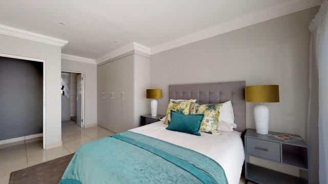 Pine-Ave-Master-Bedroom.jpeg