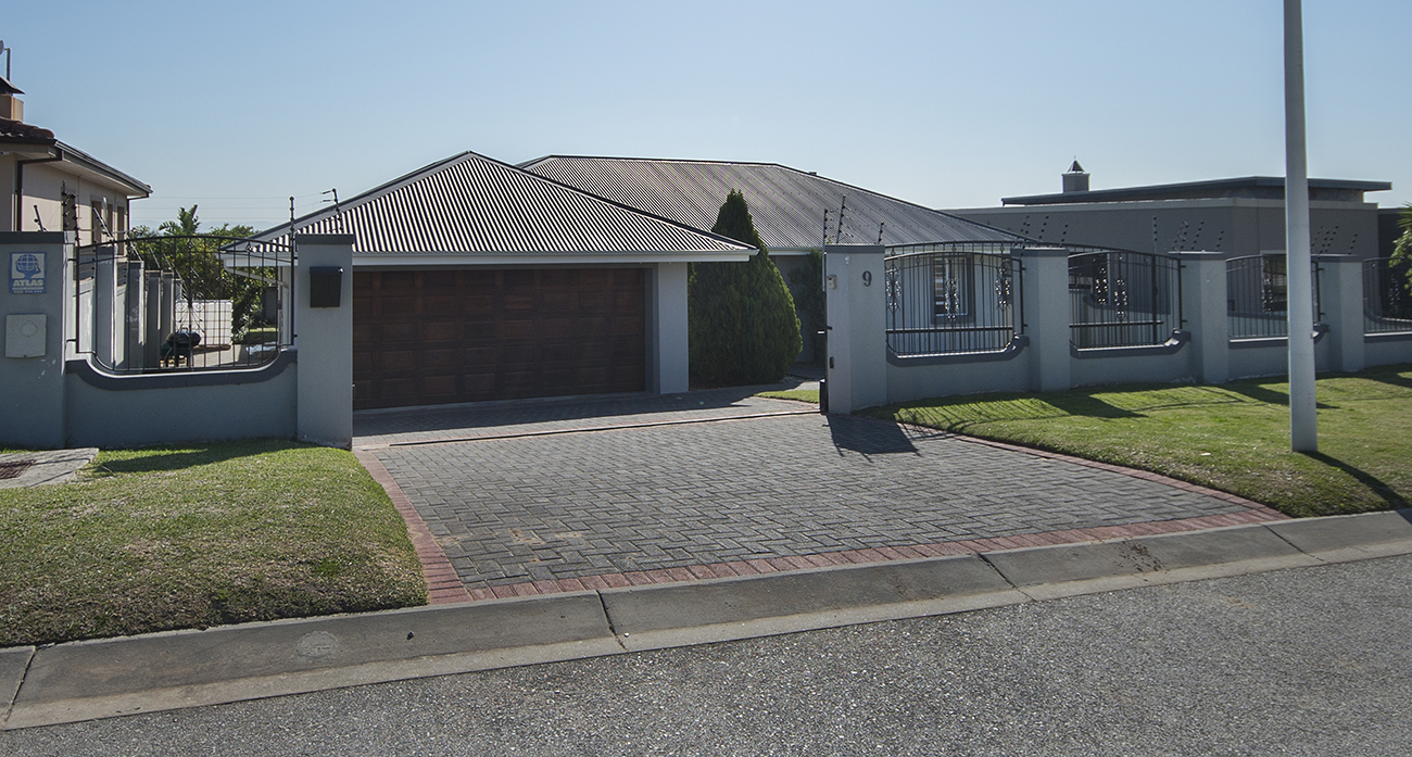 IMMACULATE FOUR BEDROOM HOME IN KAMMA PARK