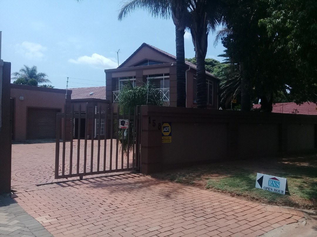 Double Storey house with 2Bedroom Granny Flat 4SALE!