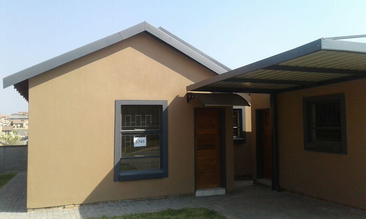 new development house for sale in kosmosdal