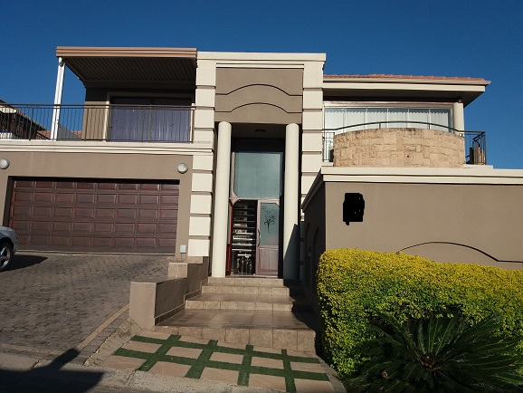 4 Bedroom Townhouse for sale in Bassonia ENT0075379 : photo#0