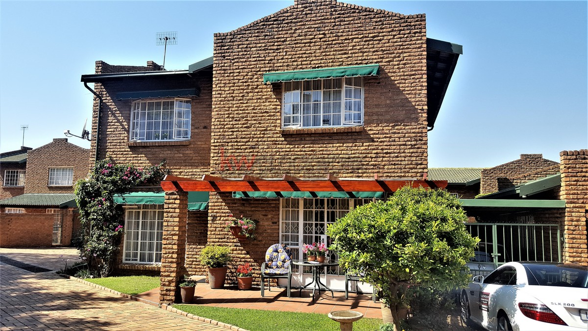 4 BedroomTownhouse For Sale In Bassonia