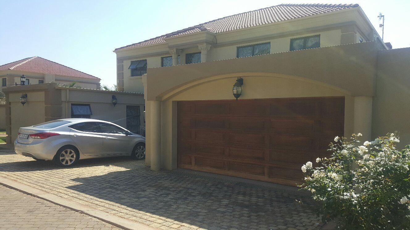 4 Bedroom House for sale in Montana Park ENT0073870 : photo#0