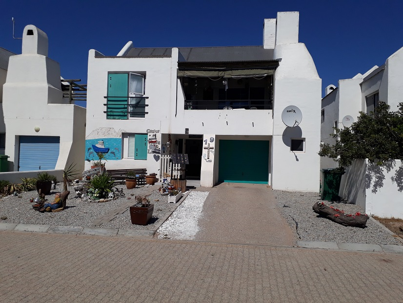 3 BedroomHouse For Sale In Lampiesbaai