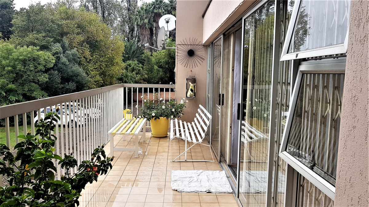 3 BedroomTownhouse For Sale In South Crest