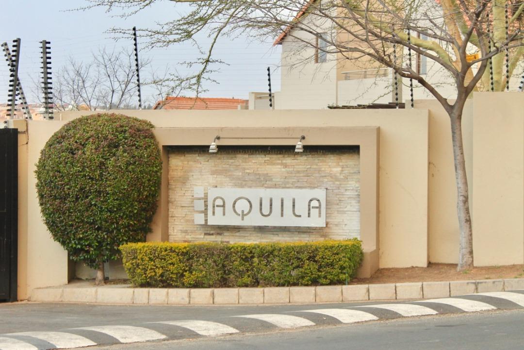 Spacious 1 Bedroom, 1 Bathroom LOFT For Sale In The Popular Aquila, Fourways