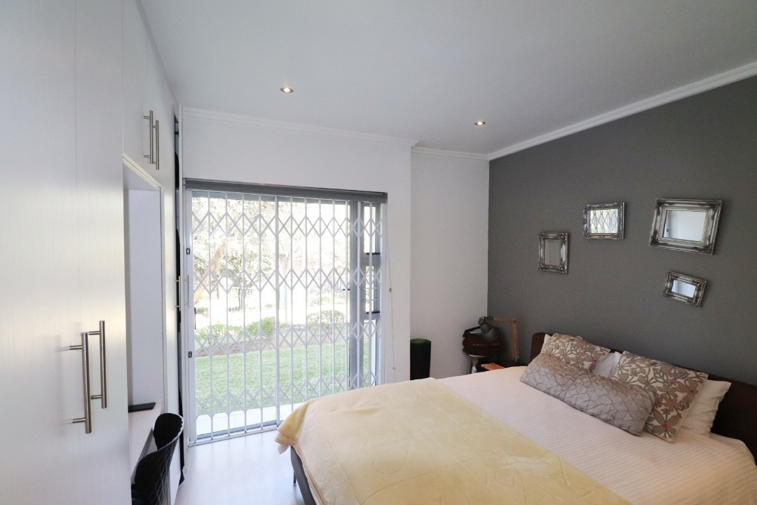 Lock up and Go Ground Floor apartment in Morningside Manor