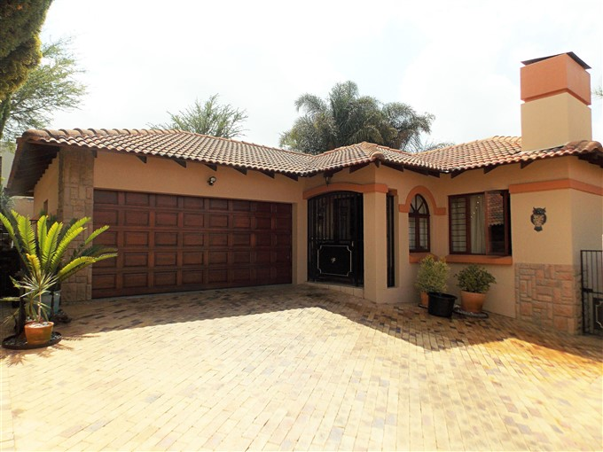 Lovely home in sought after Estate