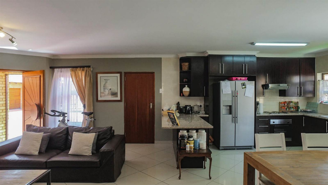3 Bedroom Cluster for sale in New Redruth ENT0091737 : photo#10