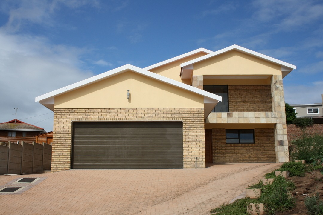 Brand-new Double Storey Home in Fraaiuitsig