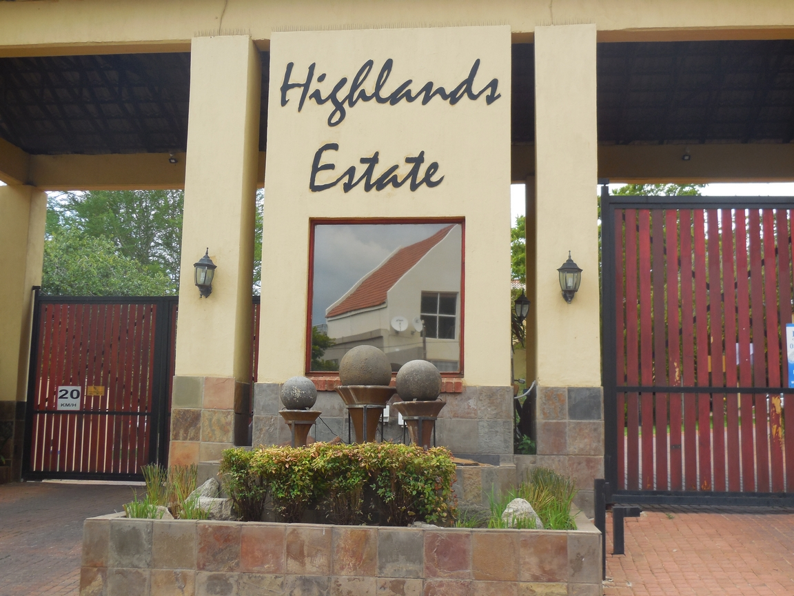 3 Bedroom Townhouse for sale in Erand Gardens ENT0084615 : photo#1