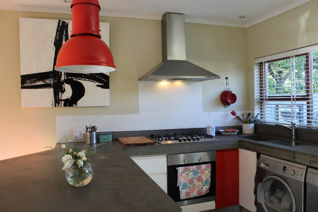 2 BedroomHouse Pending Sale In Haumannshof