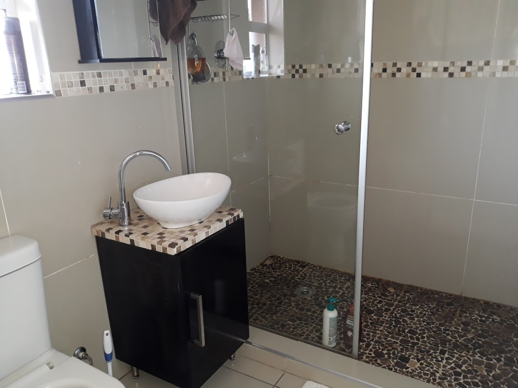 3 Bedroom House for sale in Verwoerdpark ENT0084742 : photo#15