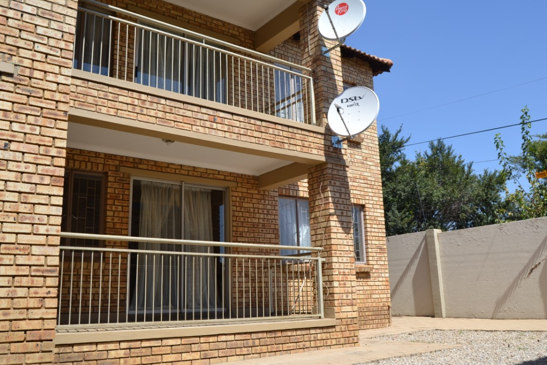 2 Bedroom Town House For Sale Bronkhorstspruit